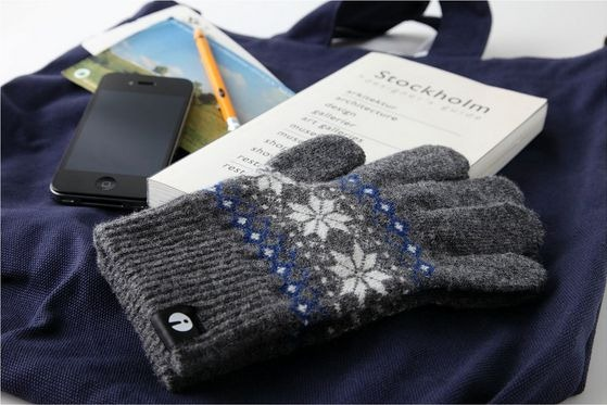 iTouch Gloves-01