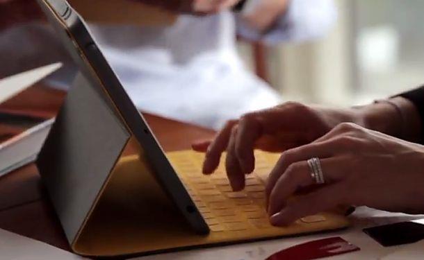 Surface風な iPad用キーボードカバー『Logitech FabricSkin Keyboard Folio』がクールな件