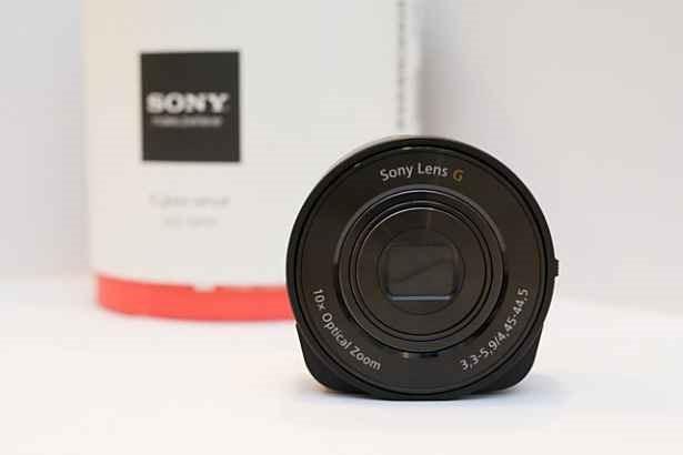 Sony サイバーショット『DSC-QX10』の開封レビューが公開される