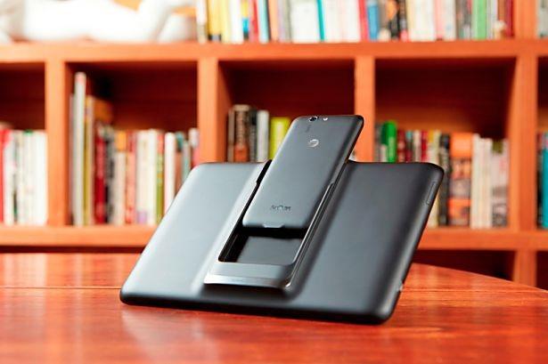 ASUS、5+9インチ合体タブレット『Padfone X』発表―スペックほか