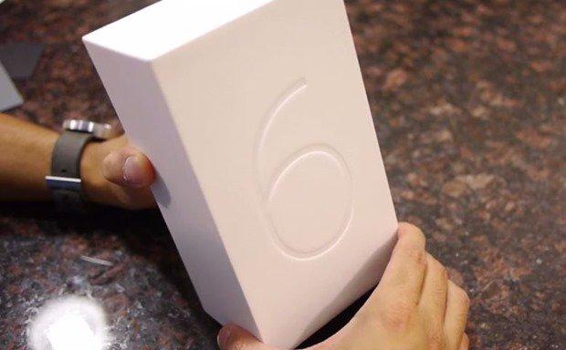 Google Nexus 6 の開封動画が公開される