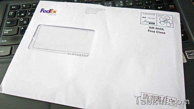 FedEXより『moto 360』の請求書が届く、金額は2,100円。