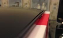 Nexus 6 のバックカバーが外れる不具合、写真が投稿される
