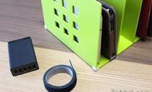 収納アイデア:ANKER 5ポートUSB充電器+タブレット収納ラック+マジックテープで省スペース化