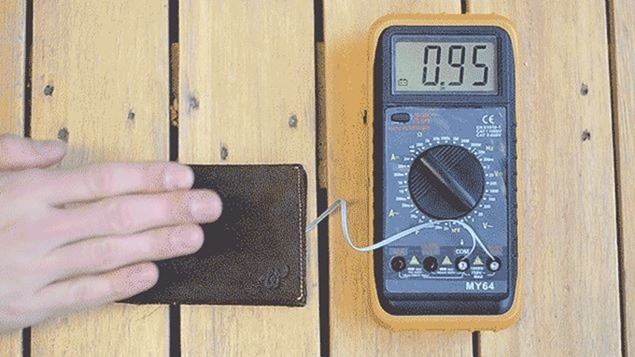 woolet-the-slimmest-smart-wallet.5