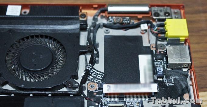 Lenovo-IdeaPad-Yoga-13-mSATA-Teardown-08
