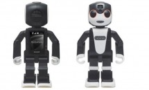シャープ、歩いて話せるロボット型スマートフォン『RoBoHoN』発表―スペック
