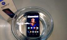 Moto G4 Plus の水没テストやSIMカード取り外しなどハンズオン動画レビュー