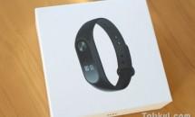 凍らせても熱湯もOK!?活動量計『Xiaomi Mi Band 2』開封レビュー、製品特徴と実験動画
