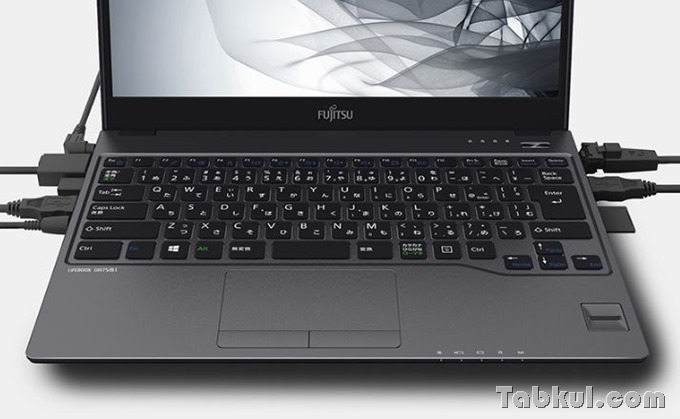 Fujitsu-LIFEBOOK-UH75B1-04