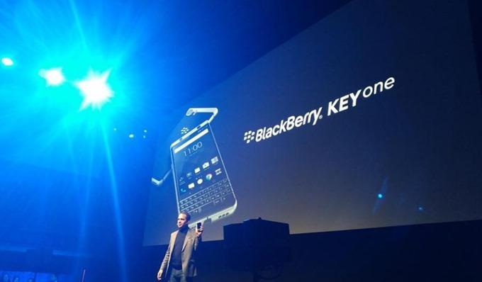BlackBerry-KEYone-20170226