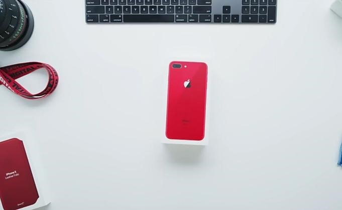 iPhone8-PRODUCT-RED-Unboxing