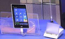 Intel、小型PC+スマホ『Pocket PC』の実機を初披露