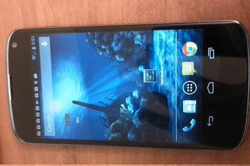 Google Nexus 4 は10月29日発表か、と Nexus 7 のケースが明日になった話