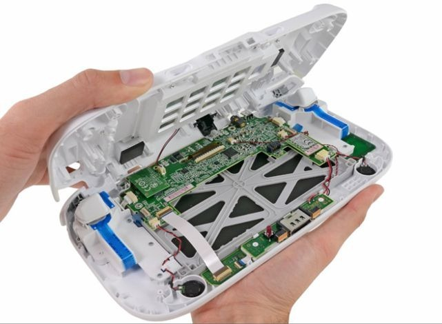 タブレット型コントローラー付属の「Wii U」が解体(分解)されたようです。