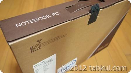 「ASUS VivoBook X202E」が到着、開封レビュー(質感と付属品)