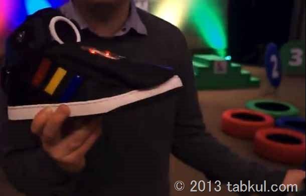 Google、喋る靴を披露「個性も身に付ける」(動画あり)