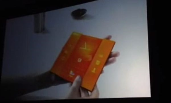 スマホを広げてタブレットに、サムスンが描く未来のコンセプト動画