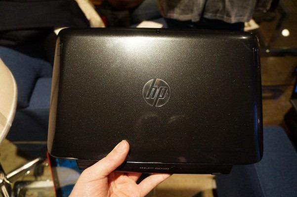 『HP Pavilion 11 X2』のハンズオン動画