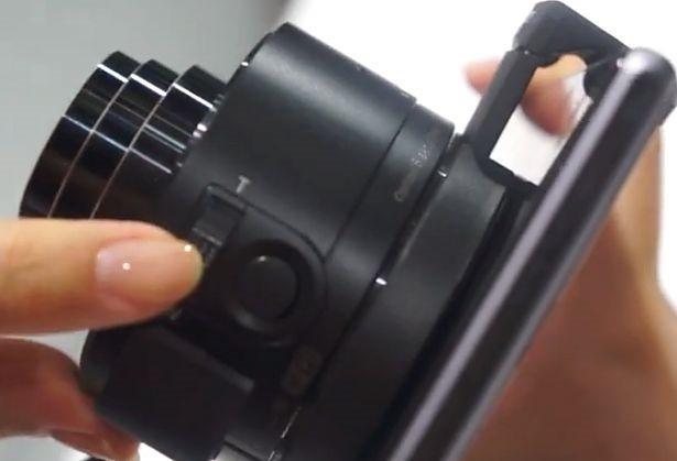 『DSC-QX10』の接続からズーム、撮影までの動画―CEATEC 2013