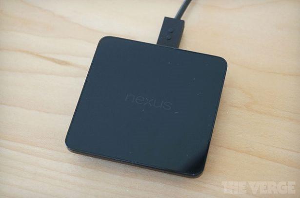 Google、Nexus 5/7向け『ワイヤレス充電器』を発表、本日発売へ