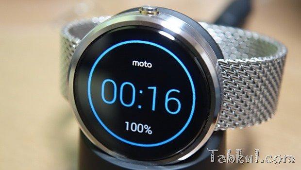 『moto 360』のバッテリー残量を定期的に記録する、何時間駆動か