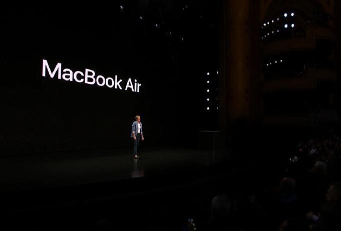 Apple-event-20181030.05