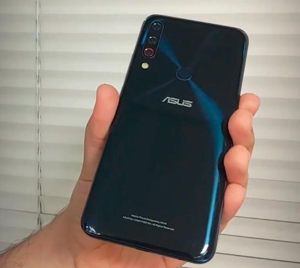 Asus-ZenFone-6-prototypes-hint-at-display-holes-and-triple-camera-setups6