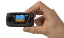 セガ、超小型ゲーム機「ゲームギアミクロ」発売へ