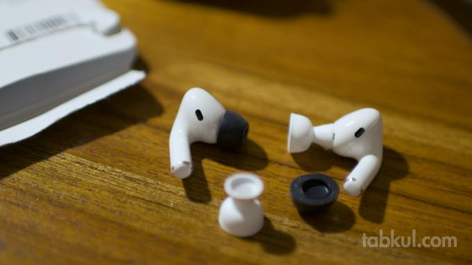 COMPLY AirPods Pro  4