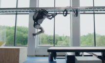歩くクルマへ、最新ロボット「Atlas」のSASUKE動画が公開